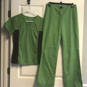 Cherokee green and brown scrub set
